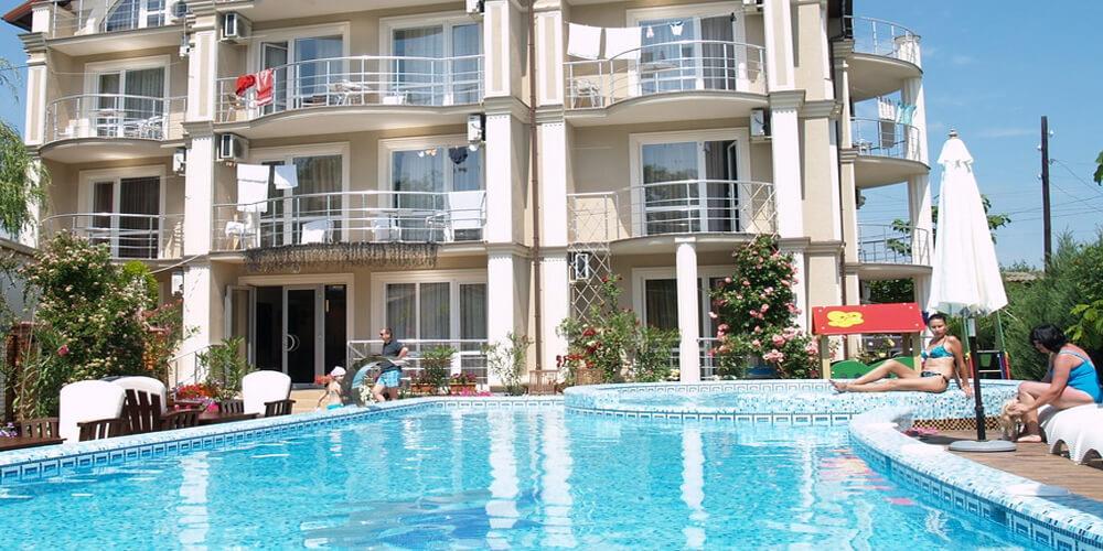 Гостиницы Затоки с бассейном
